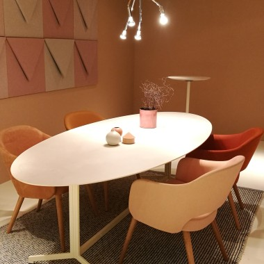 ESTER armchairs, POST wall panels by Johanson